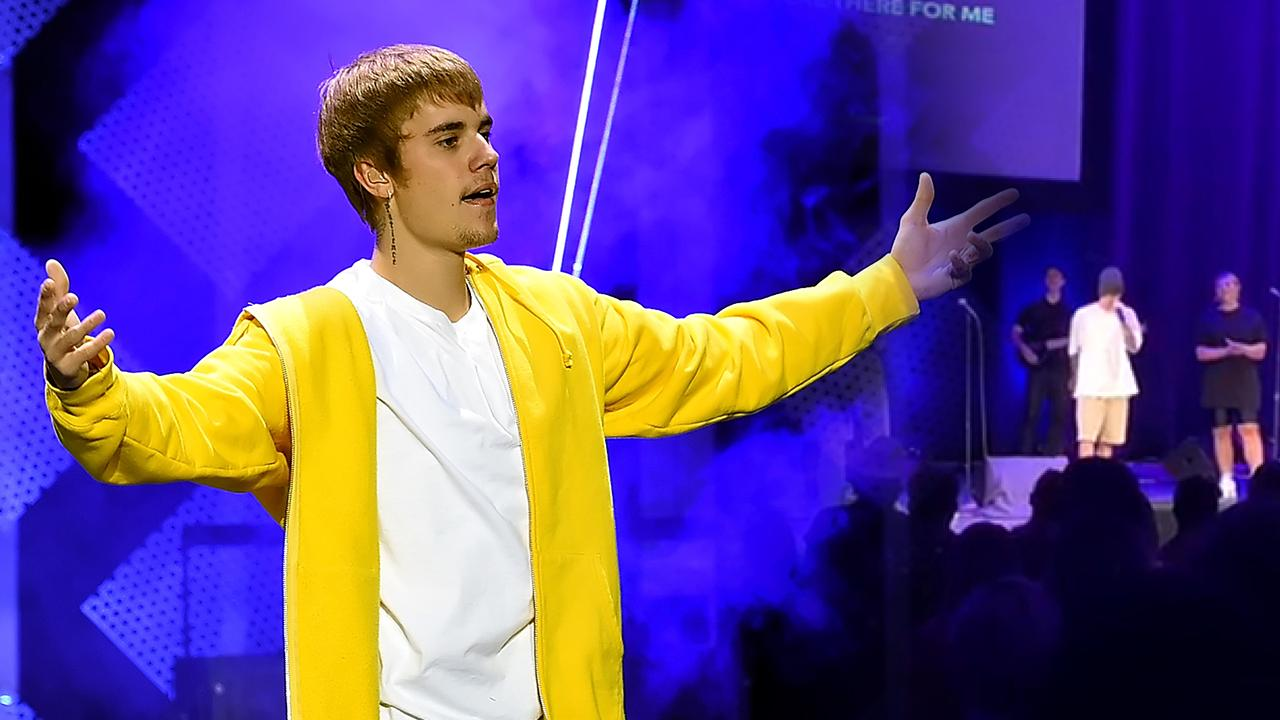 Pop Sensation JUSTIN BIEBER Leads Worship and a Sermon at LA Church!