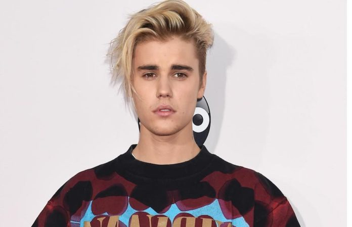 Justin Bieber's new faith-based single tops global charts