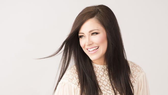 After global success with single: Kari Jobe releases new album