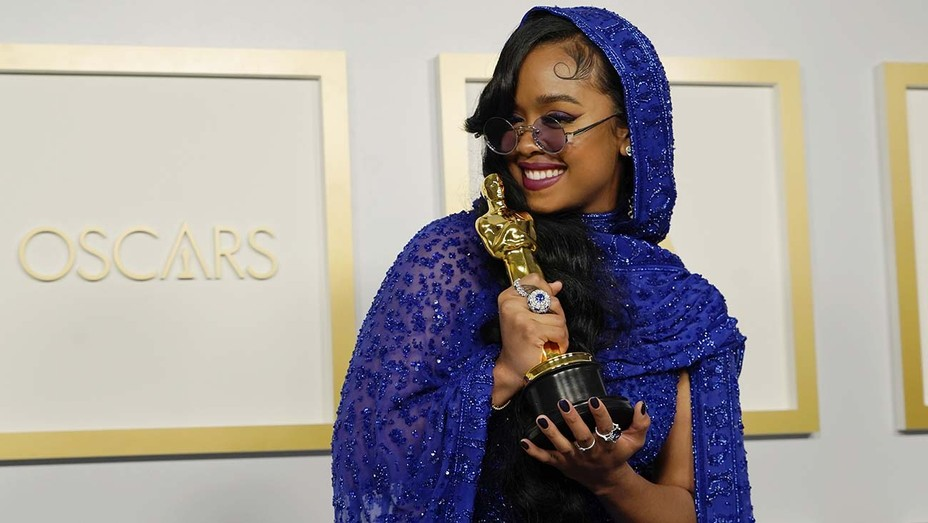 """Academy Award-winning H.E.R.: """"I thank God for giving us these gifts"""""""